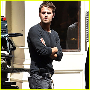 Paul Wesley Shoots A Scene For Upcoming Series Tell Me A Story In Nyc Paul Wesley Just Jared Jr