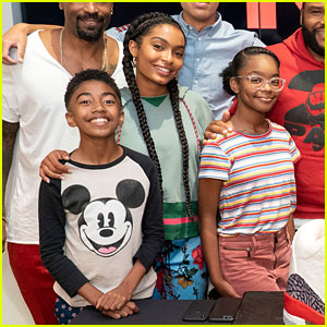 Yara Shahidi, Miles Brown, & 'Black-ish' Co-Stars Celebrate 100 Episodes!