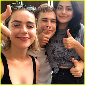Netflix Approves of This Camila Mendes, Tommy Dorfman, & Kiernan Shipka Crossover Idea