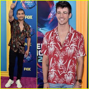 Grant Gustin & Rick Gonzalez Hit the Carpet at Teen Choice Awards 2018!
