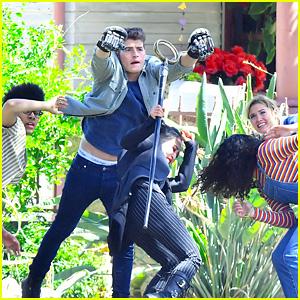 'Runaways' Cast Is Hard at Work on Season 2!