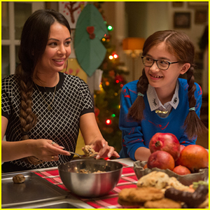 Janel Parrish & Anna Cathcart Dish On Sister Bond in 'To All The Boys I've Loved Before'