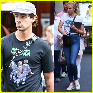Joe Jonas & Sophie Turner Step Out in NYC with His Parents!