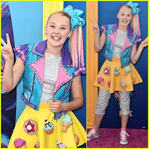 JoJo Siwa Wears Desserts on Her Skirt at Teen Choice Awards 2018!