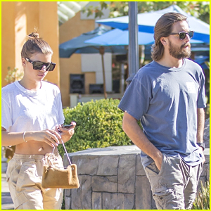 Sofia Richie Grabs Sushi for Dinner with BF Scott Disick!