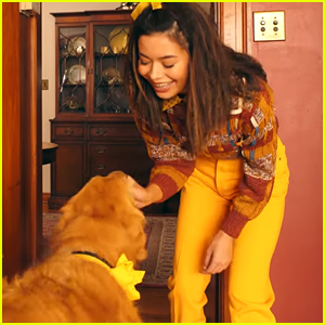 Miranda Cosgrove Bonds With Adorable Golden Retriever In