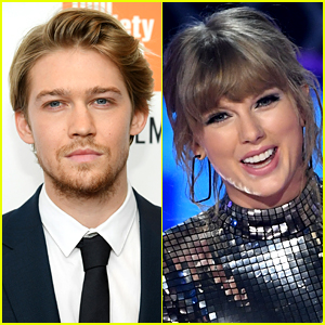 Taylor Swift's Boyfriend Joe Alwyn Supports Her Political Posts!