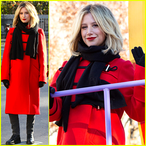 f37076463df596 Ashley Tisdale Had an Unexpected Background Dancer at Macy s Parade 2018!
