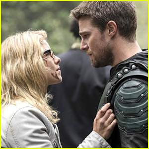 Emily Bett Rickards Is Pro-Olicity All The Time on 'Arrow'