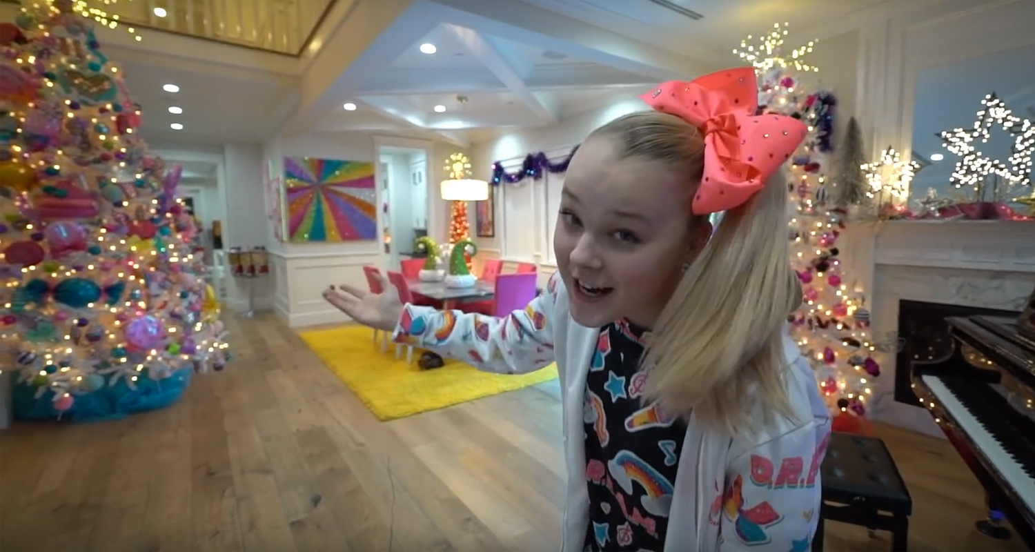 Jojo Siwa S House Is Totally Decked Out For Christmas