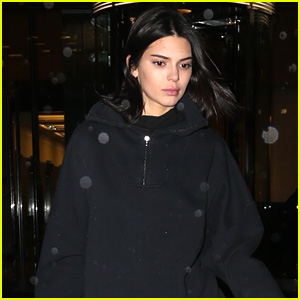 Kendall Jenner Steps Out in Rainy New York After a Victoria's Secret Fitting!