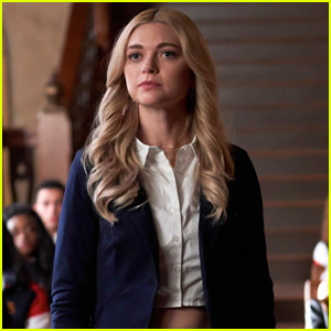 Lizzie 'Volunteers As Tribute' To Investigate Mystic Falls High on 'Legacies'