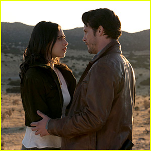 'Roswell, New Mexico' Pilot Photos Revealed!