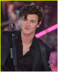 Shawn Mendes Flirted With This Model During VS Fashion Show