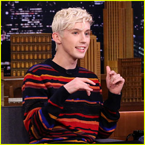 Troye Sivan Discusses Justin Timberlake's Eyebrows on 'The Tonight Show!' (Video)