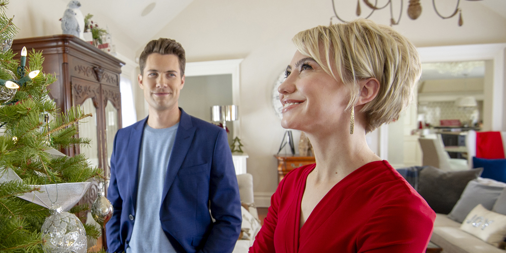 A Christmas For The Books.Chelsea Kane Drew Seeley Reunite For Dreamy Christmas
