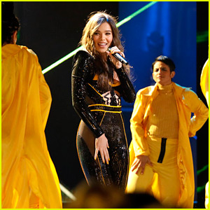 Hailee Steinfeld Performs 'Back to Life' on 'The Voice' - Watch Now!