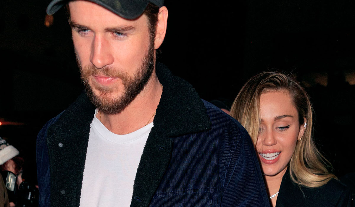 ced1a7724dc640 Miley Cyrus Brings Liam Hemsworth to  Saturday Night Live  After Party!