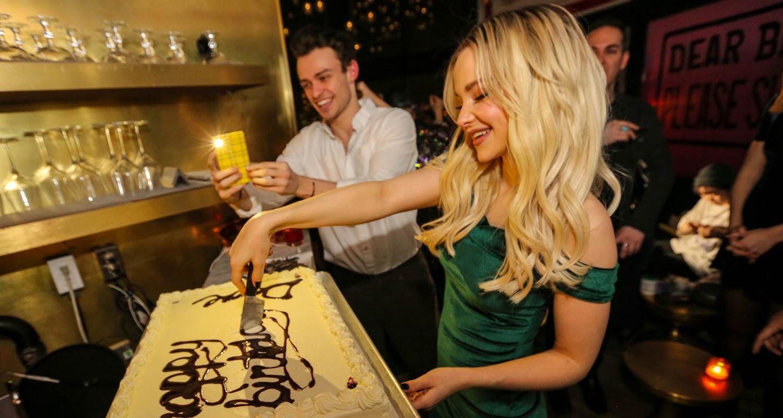 Dove Cameron Amp Thomas Doherty Celebrate Her 23rd Birthday