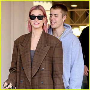 Hailey Bieber Shows Off New Pink Hair While Shopping with Justin!