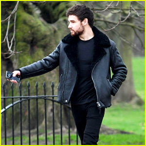 Liam Payne Heads Out on a Walk With His Dad in London