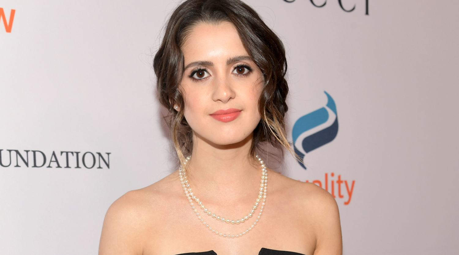 Laura marano gives sneak peek at let me cry music video for Marano arredamenti roma