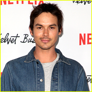Tyler Blackburn Opens Up About Alex & Michael's Relationship on 'Roswell, New Mexico'