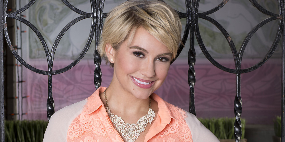 Anyone else miss Baby Daddy a lot like we do? Good thing that Chelsea Kane  heard our cries and reunited most of the cast and crew over the weekend.