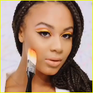 Nia Sioux Makes Moves With James Charles New Makeup Palette In