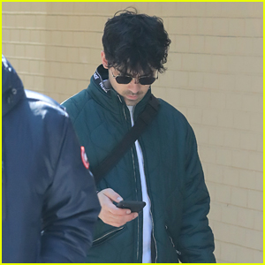 Joe Jonas Heads Out on a Shopping Spree in NYC