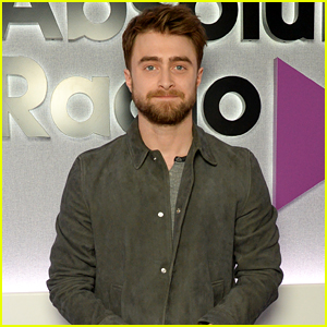 Daniel Radcliffe Poses for Pictures While Visiting Radio Stations in England!