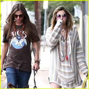 Paris Jackson & Boyfriend Gabriel Glenn Take a Stroll in LA!