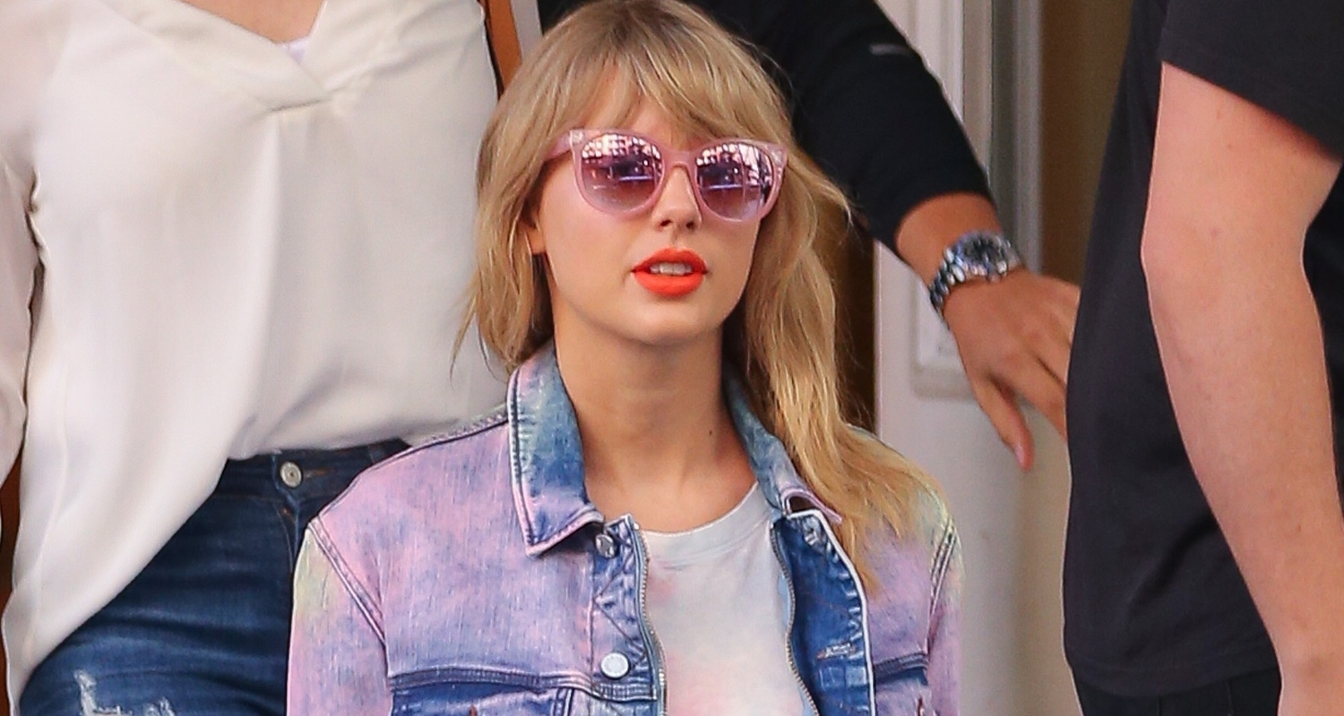 c85674b2526 Taylor Swift Rocks Tie Dye While Out in NYC!