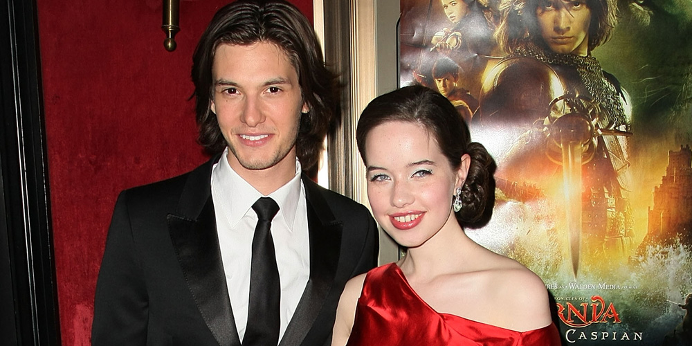 Ben Barnes Reunites With Anna Popplewell & More 'Narnia' Stars For Dinner