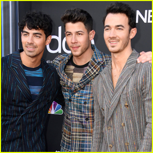 The Jonas Brothers Hit the Red Carpet at Billboard Music Awards 2019!
