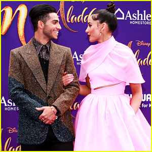 Mena Massoud & Naomi Scott Write The Loveliest Messages To Each Other Following 'Aladdin' Premiere