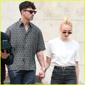 Sophie Turner & Joe Jonas Take River Cruise With Nick Jonas & Priyanka Chopra