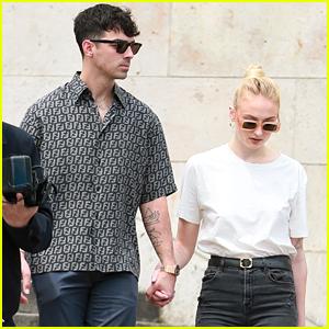 Sophie Turner & Joe Jonas Take River Cruise With Nick Jonas & Priyanka Chopra