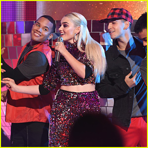 Meg Donnelly Performs 'With U' at ARDYs 2019 - Watch Now!