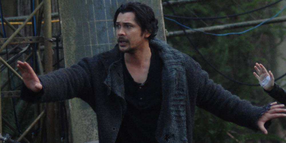 Bob Morley Directs Tonight's Episode of 'The 100′