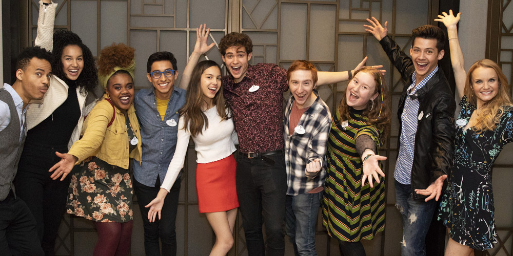 Olivia Rodrigo Snaps Cast Pic After Wrapping On 'HSM' TV Series!