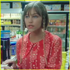 Grace VanderWaal Debuts 'Waste My Time' Music Video - Watch Now!