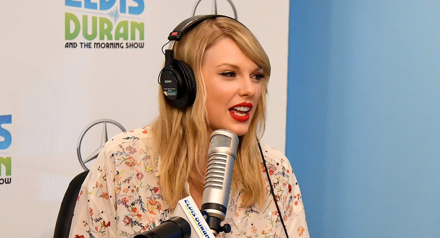Taylor Swift Talks About Scooter Braun Feud in Elvis Duran Interview