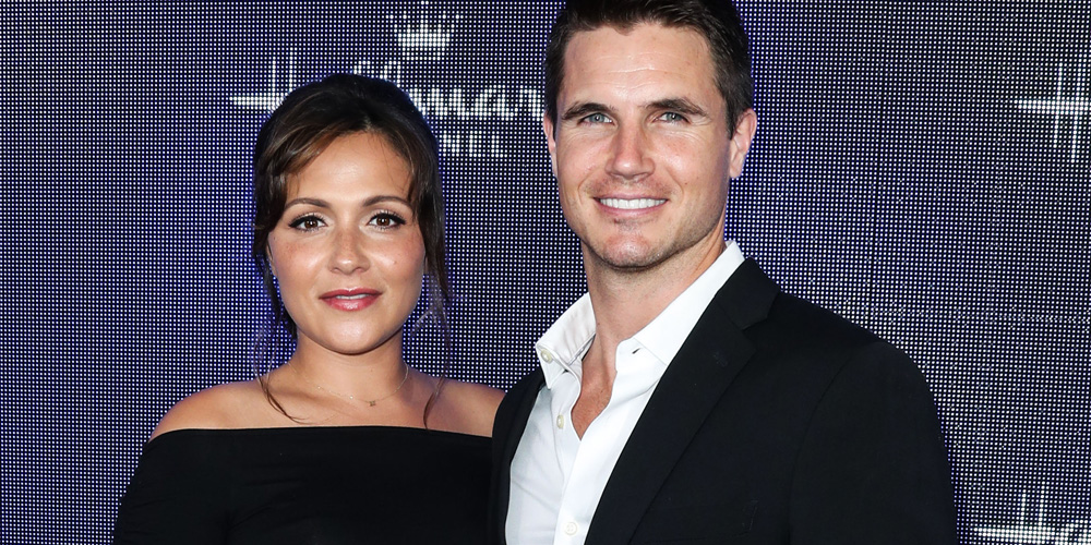 Italia Ricci & Robbie Amell Welcome First Child – Find Out His Name Here!