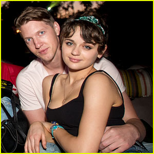 Joey King Couples Up with Boyfriend Steven Piet at Cinespia Screening!