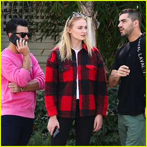 Joe Jonas Hangs Out with Sophie Turner Ahead of San Diego Show