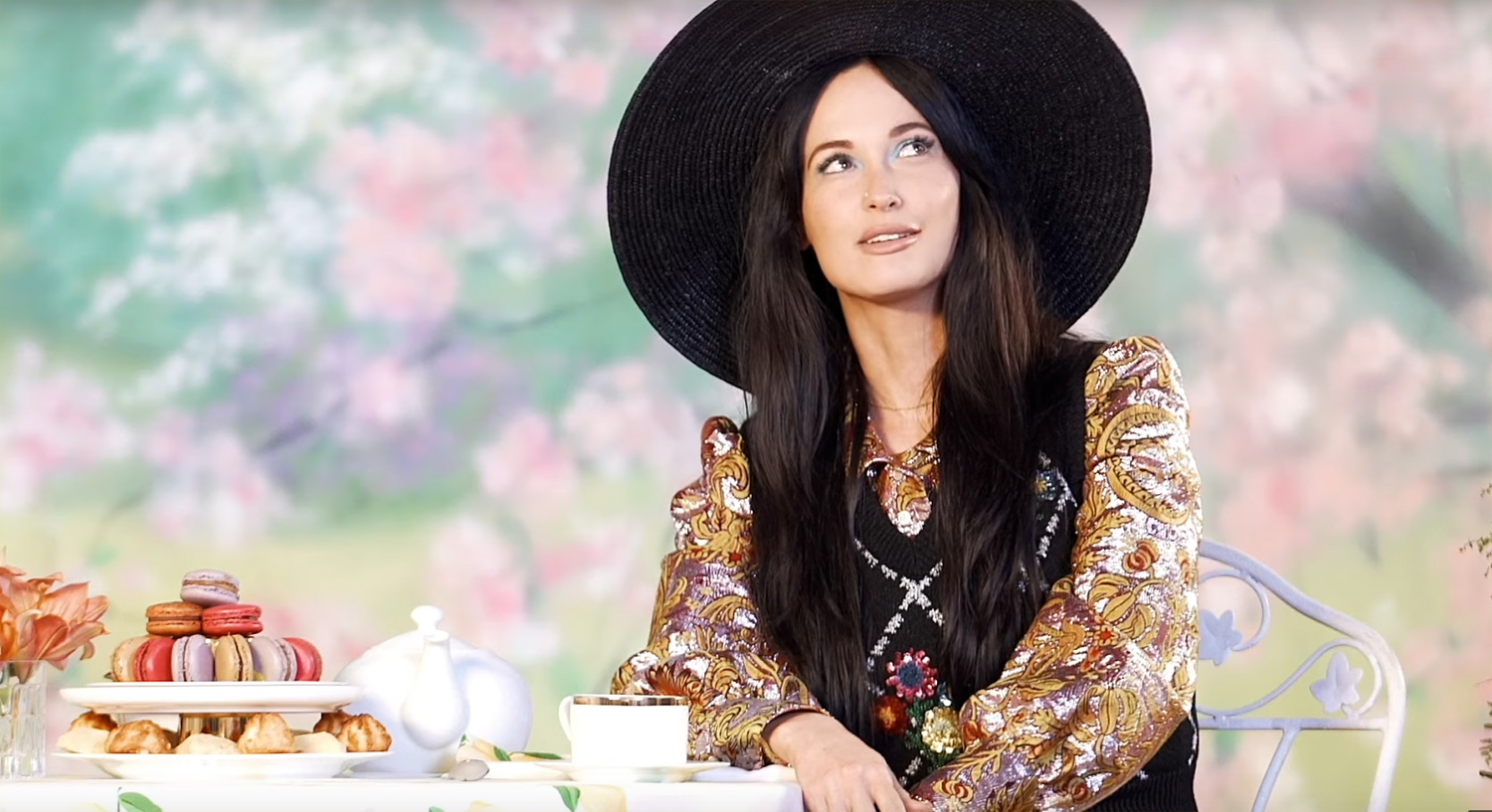 Kacey Musgraves Opens Up About What Harry Styles Smells Like