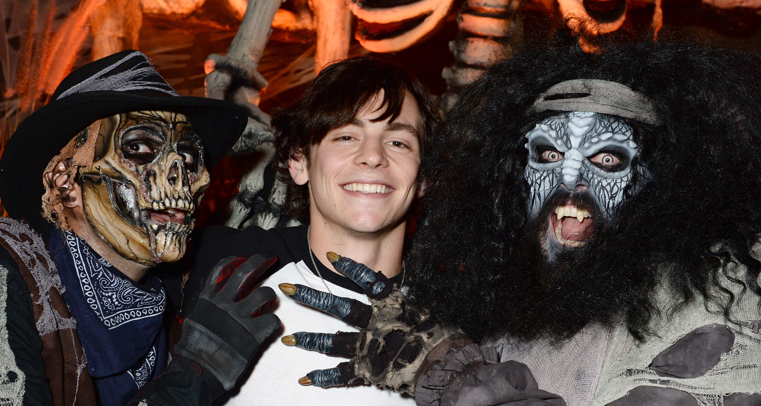 Ross Lynch Gets 'Much Needed Sibling Time' at Knott's Scary Farm