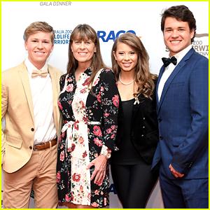 Bindi Irwin & Chandler Powell Join Mom Terri & Brother Robert at Steve Irwin Gala Dinner