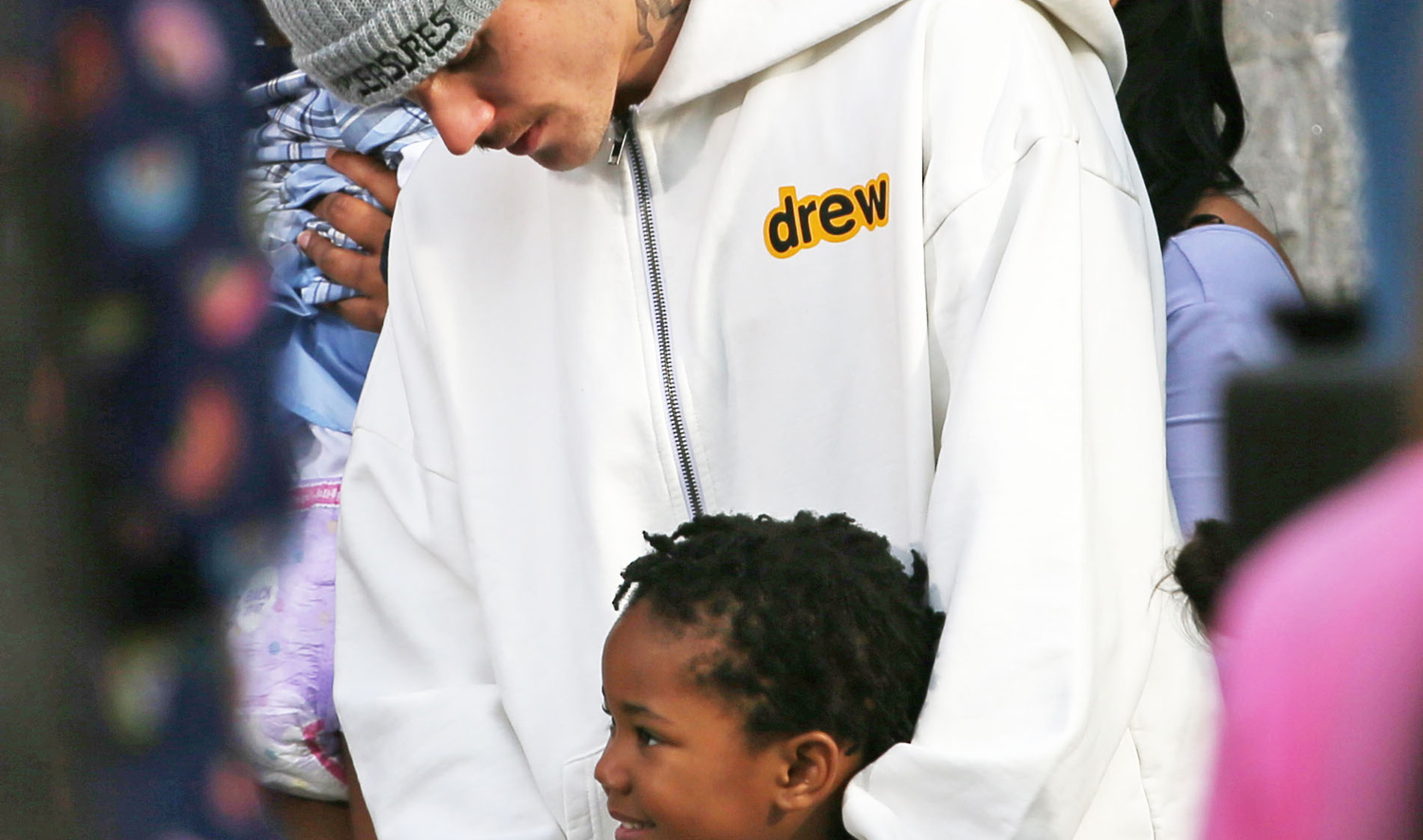 Justin Bieber Shoots a Music Video With Kids at Daycare in Los Angeles
